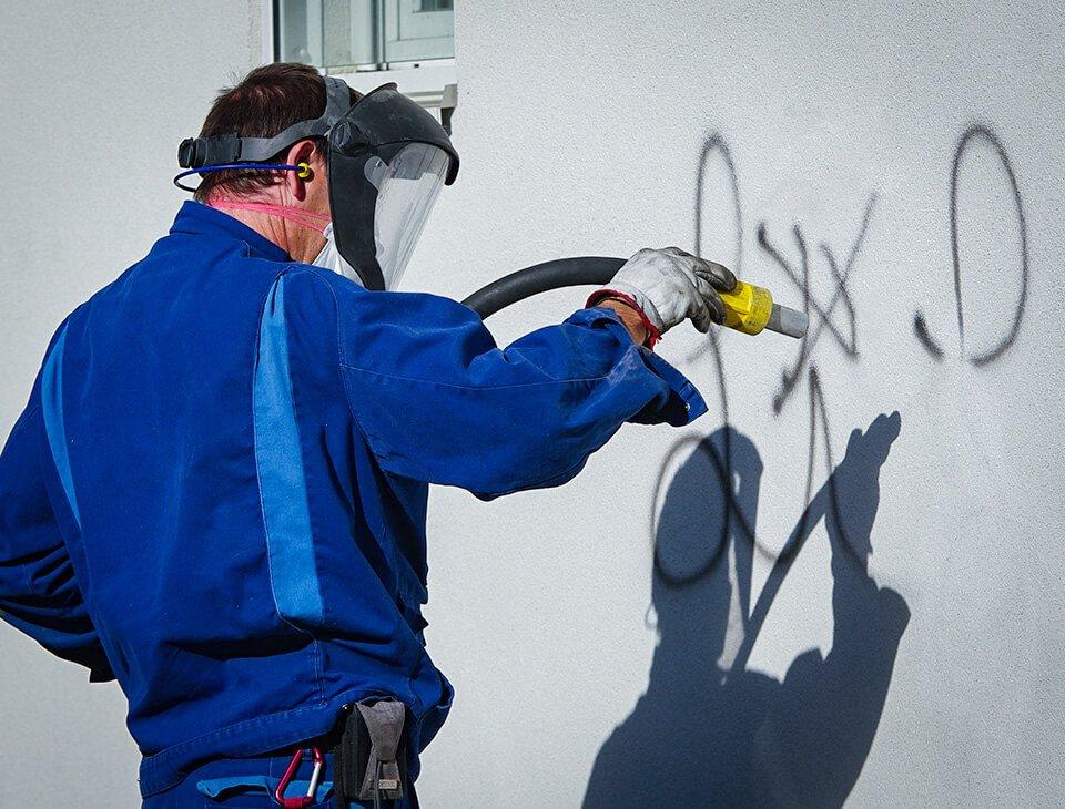 Spezialreinigung für Graffiti-Entfernung